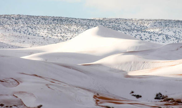 Sahara-Desert-snow-Ain-Sefra-Algeria-901733